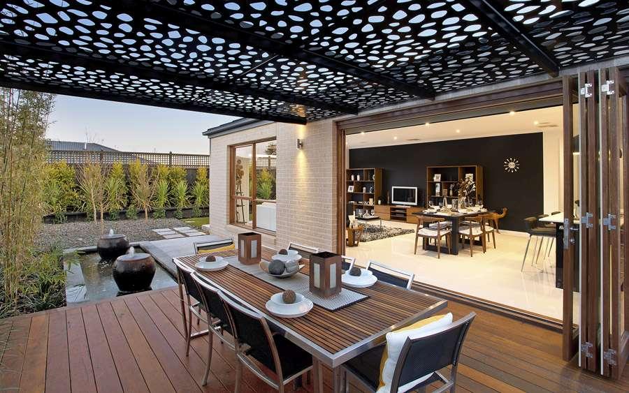 techo con celosia y panel decorativo terraza jardin